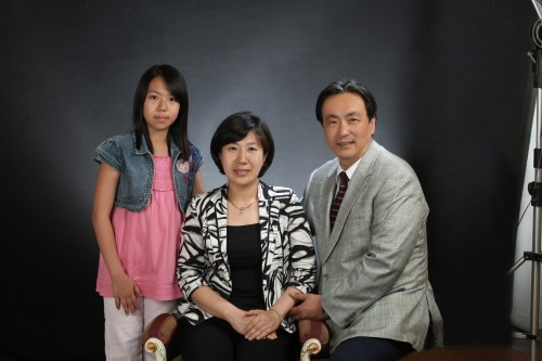 Drs. Jase and  Jinsun Khyeam and daughter Sheamin  5-09